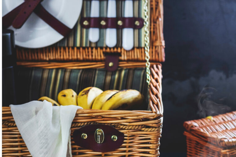 The Year S Best Insulated Picnic Baskets 2021 Thinkvail